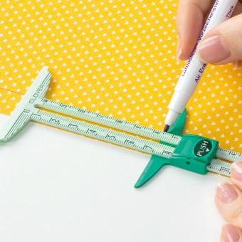 Utilisant 4 Couleurs de Stylo /à Effacement Thermique en Tissu Outil de R/èGle de Couture 5 en 1 Fransande Mesure de Couture de Jauge Coulissante en Forme de T